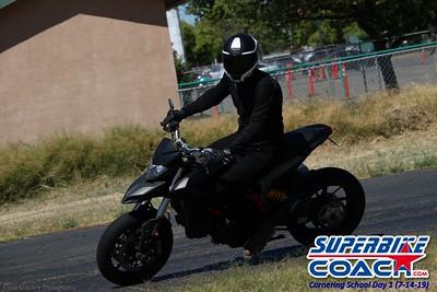 superbikecoach_corneringschool_2019july14_GroupC_9