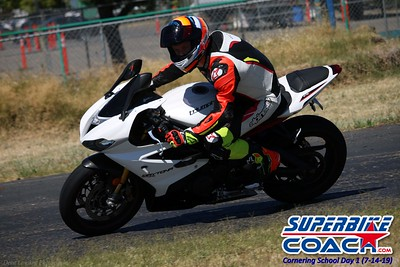 superbikecoach_corneringschool_2019july14_GroupC_1