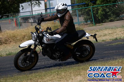 superbikecoach_corneringschool_2019july14_GroupC_3