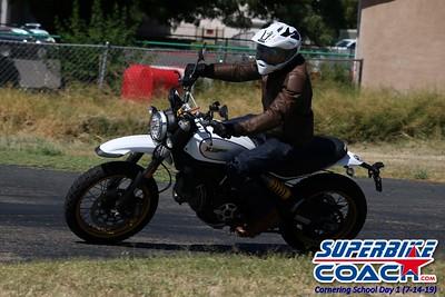 superbikecoach_corneringschool_2019july14_GroupC_16
