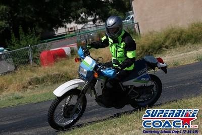 superbikecoach_corneringschool_2019july14_GroupC_12