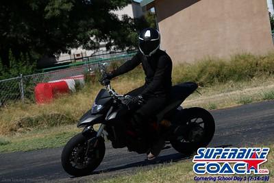 superbikecoach_corneringschool_2019july14_GroupC_10