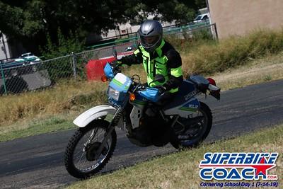 superbikecoach_corneringschool_2019july14_GroupC_21