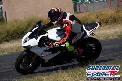 superbikecoach_corneringschool_2019july14_GroupC_2