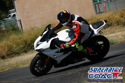 superbikecoach_corneringschool_2019july14_GroupC_28