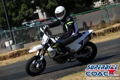 superbikecoach_corneringschool_2019aug11_GroupB_21