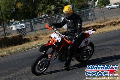 superbikecoach_corneringschool_2019aug11_GroupB_25