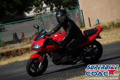 superbikecoach_corneringschool_2019aug11_GroupB_15