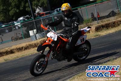 superbikecoach_corneringschool_2019aug11_GroupC_21