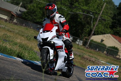 superbikecoach_corneringschool_2019may05_features_17