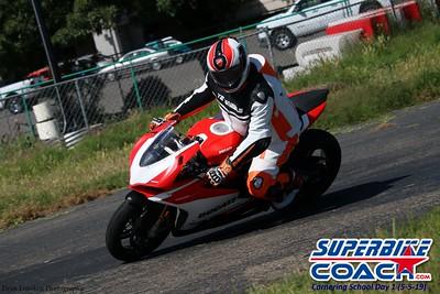 superbikecoach_corneringschool_2019may05_groupA_24