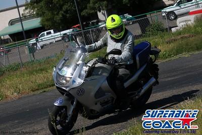 superbikecoach_corneringschool_2019may05_groupA_23
