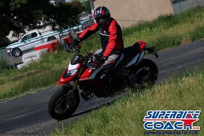 superbikecoach_corneringschool_2019may05_groupA_28