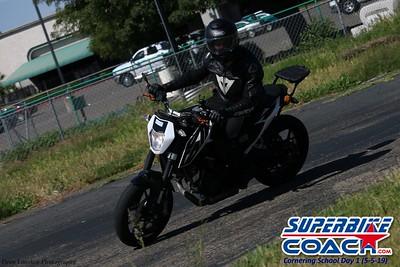 superbikecoach_corneringschool_2019may05_groupA_20