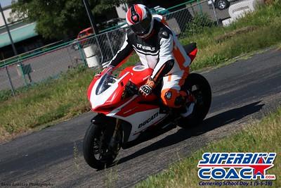 superbikecoach_corneringschool_2019may05_groupA_12