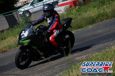 superbikecoach_corneringschool_2019may05_groupC_11