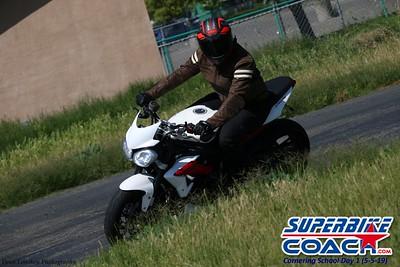 superbikecoach_corneringschool_2019may05_groupC_16
