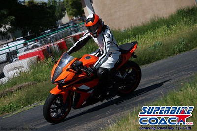 superbikecoach_corneringschool_2019may05_groupC_23