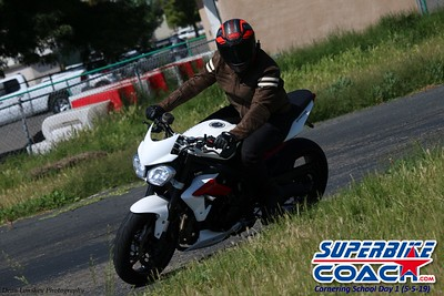 superbikecoach_corneringschool_2019may05_groupC_17
