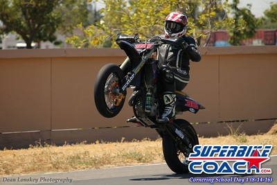 www superbike-coach com_wheelie_4