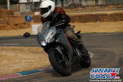 superbikecoach_corneringschool_2020_september07_1on2-class_20