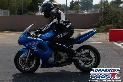 superbikecoach_corneringschool_2020_september07_1on2-class_26