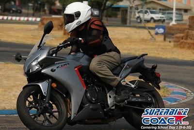 superbikecoach_corneringschool_2020_september07_1on2-class_15