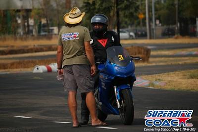 superbikecoach_corneringschool_2020_september07_1on2-class_16