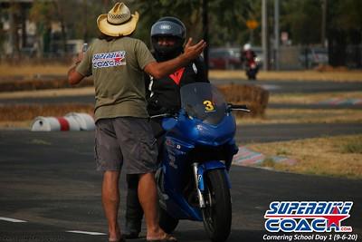 superbikecoach_corneringschool_2020_september07_1on2-class_17