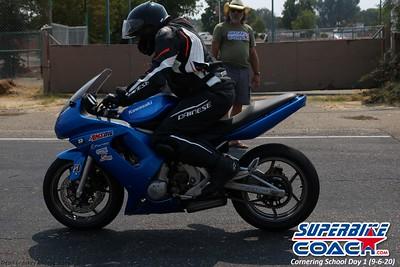 superbikecoach_corneringschool_2020_september07_1on2-class_27