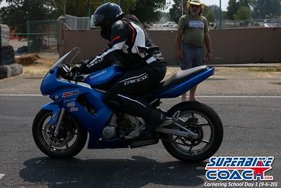 superbikecoach_corneringschool_2020_september07_1on2-class_28