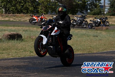 superbikecoach_wheelieschool_2019june23_BlueGroup_11