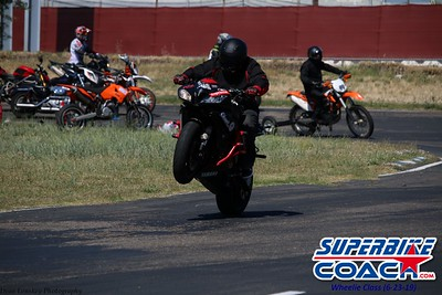 superbikecoach_wheelieschool_2019june23_GreenGroup_19