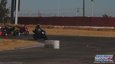 superbike-coach-wheelie-class-2020-student-video (4)