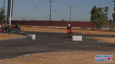 superbike-coach-wheelie-class-2020-student-video (10)