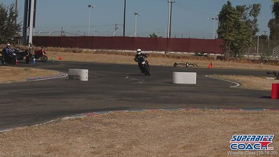 superbike-coach-wheelie-class-2020-student-video (8)