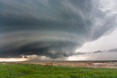 Amazing, classic supercell structure near Hosmer, SD, on May 22, 2010.