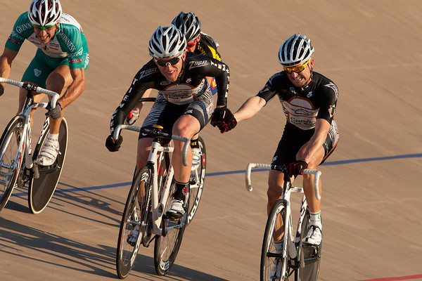 Grand Speedfix executes a handsling to propel their team to the top of the podium for the Men's 30+ Madison.
