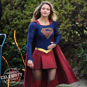 Melissa Benoist All Smiles In Supergirl Costume
