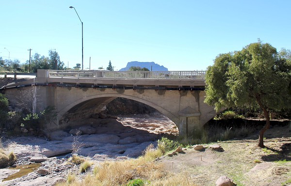 Magma Avenue bridge over Queen Creek (2019)