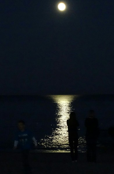 Supermoon and Ocean Rehoboth Beach DE