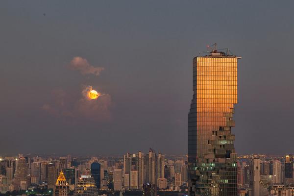 The Bangkok 'Super Moon' shoot on the JTC Building rooftop on November 11, 2016