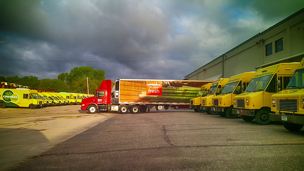 Supervalu Truck Coborns deliver