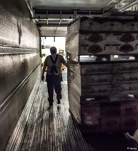 Supervalu produce truck