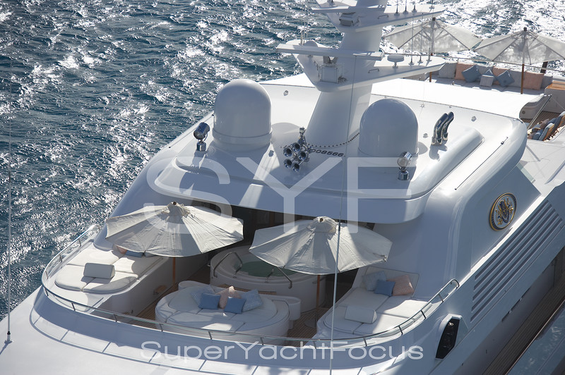 Callisto jacuzzi and sundeck