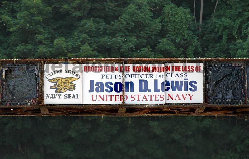 JASON LEWIS qDSC_0006