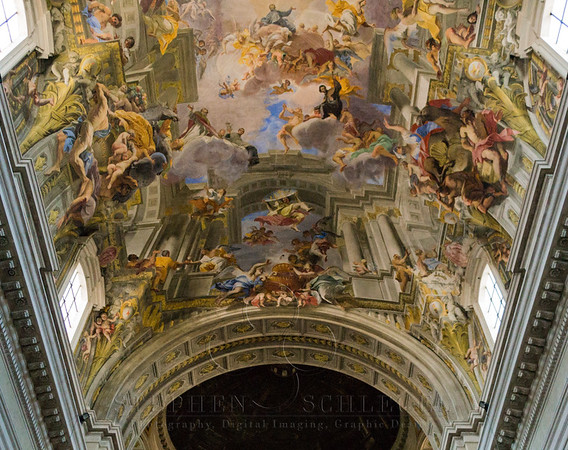 Nave vault (Allegory of the Jesuits' Missionary Work) and the Simulated cupola by Andrea Pozzo