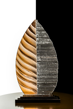 TOBACCO LEAF Glasswork by Arnel Lopez Photography by Jose Lopes-Moreno