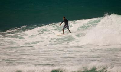 090913 131018 surfing