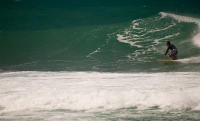 090913 131013 surfing